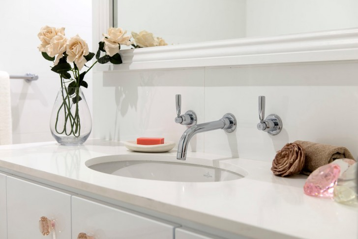 Bathroom , Lovely  Contemporary Undermount Bathroom Sinks With Faucet Holes Photo Inspirations : Lovely  Contemporary Undermount Bathroom Sinks with Faucet Holes Image Inspiration