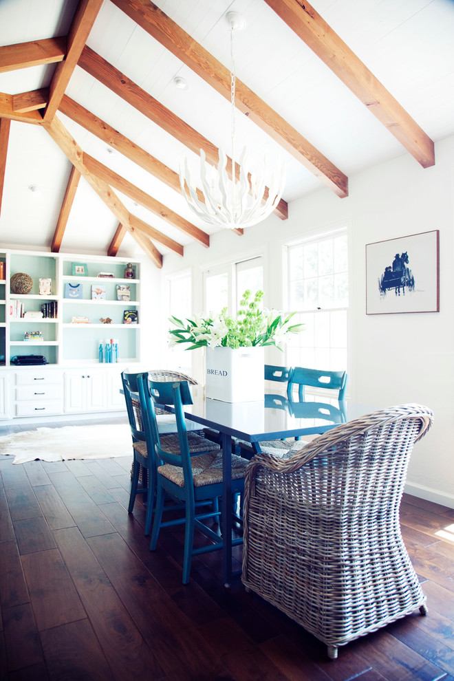 Kitchen , Wonderful  Farmhouse Small Breakfast Table And Chairs Photo Inspirations : Lovely  Farmhouse Small Breakfast Table and Chairs Photos