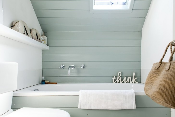 Bathroom , Gorgeous  Beach Style Good Paint Colors For Small Bathrooms Image : Stunning  Beach Style Good Paint Colors for Small Bathrooms Photo Ideas