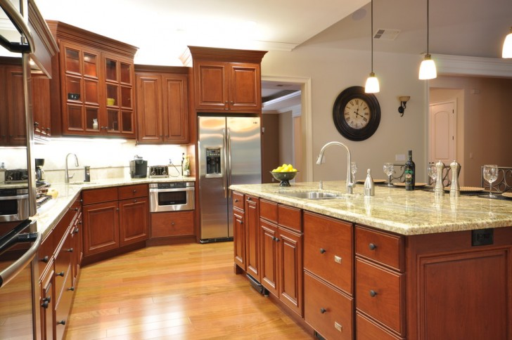 Kitchen , Gorgeous  Traditional Cherry Cabinets In Kitchen Photo Inspirations : Stunning  Traditional Cherry Cabinets in Kitchen Image Ideas