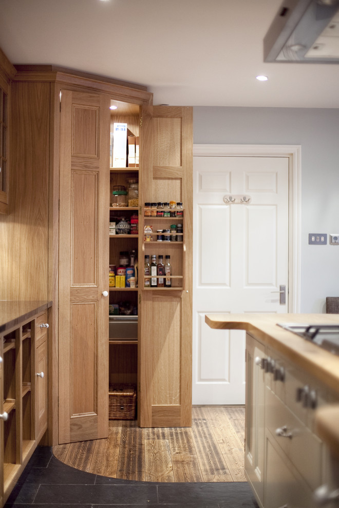 Kitchen , Stunning  Traditional Solid Oak Cabinets Picture : Stunning  Traditional Solid Oak Cabinets Photos