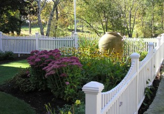 742x990px Traditional Fenced Garden Designs Picture in Landscape