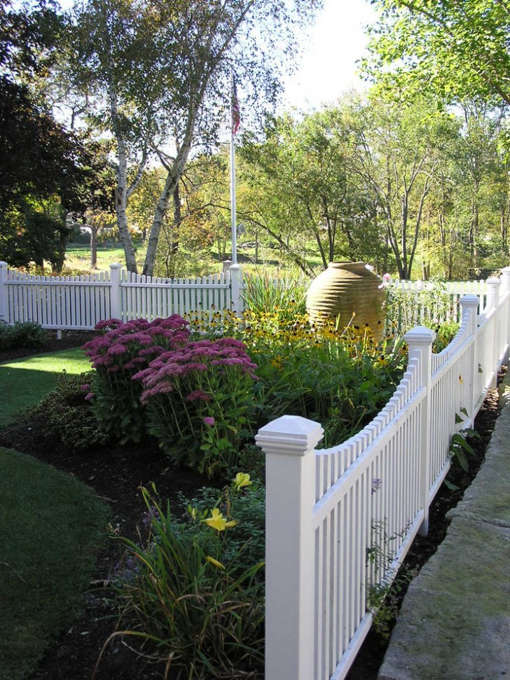 Landscape , Traditional Fenced Garden Designs : Traditional Fenced Garden Designs