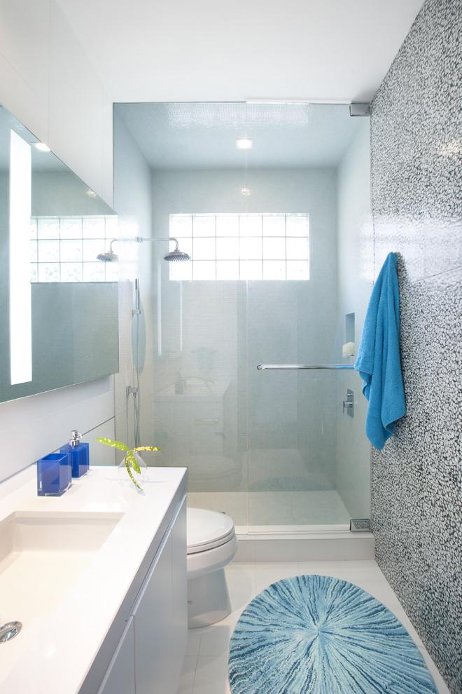 Bathroom , Fabulous  Contemporary Corner Tubs For Small Bathrooms Image Inspiration : Wonderful  Contemporary Corner Tubs for Small Bathrooms Ideas